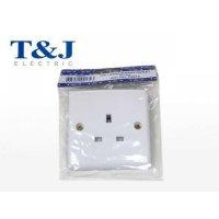 T&J 13A 三線弧面插座  P8613